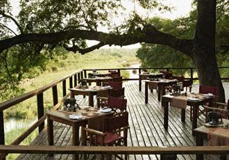Ebony Lodge dining area
